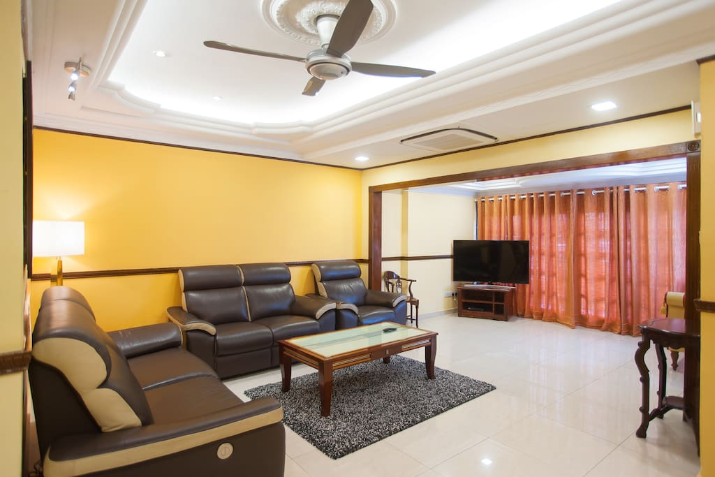 Living room with grand ambience and so spacious!
