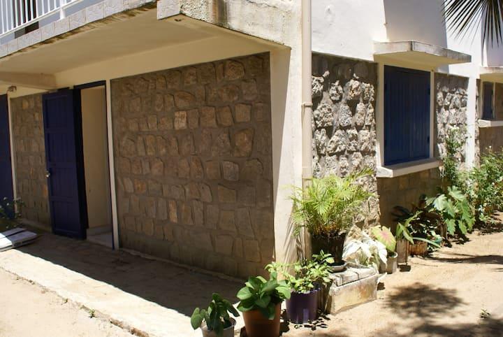 Studio 20m2, bas de villa à Fort dauphin