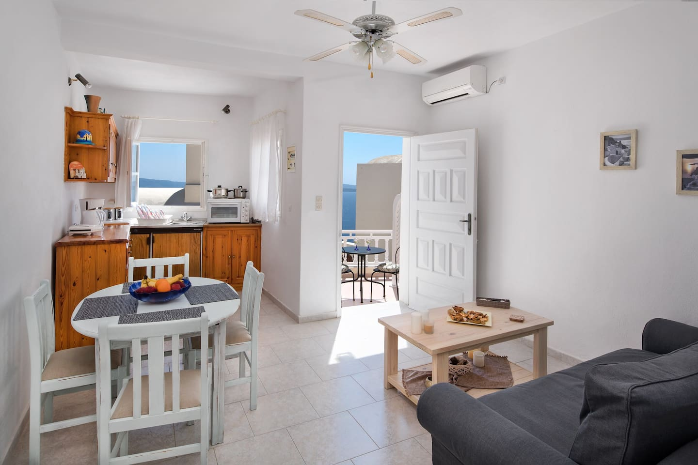Flora`s House - Houses for Rent in Oia, Egeo, Greece