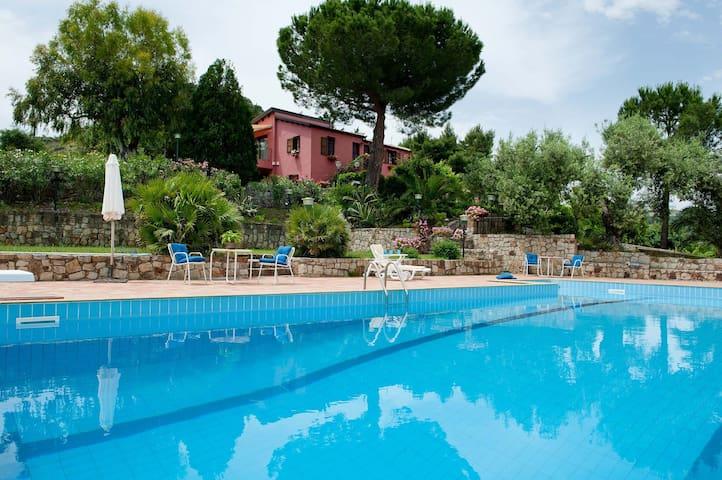 Villa Ivoni 2