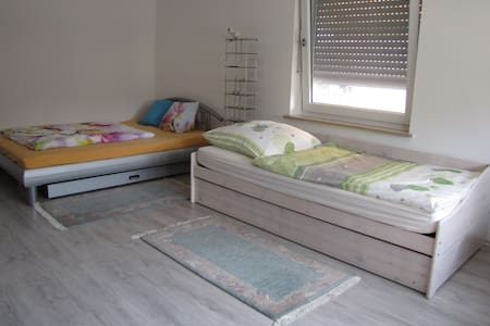Room in Manching - Calm and comfortable
