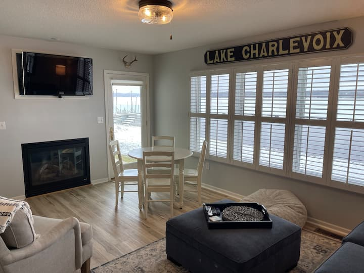 Lakefront Condo - Water View - Newly Remodeled