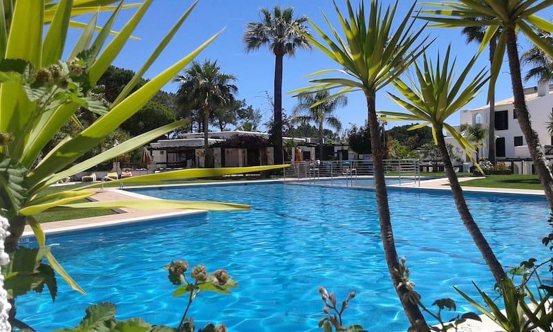 Tile House with pool - Quarteira, Algarve