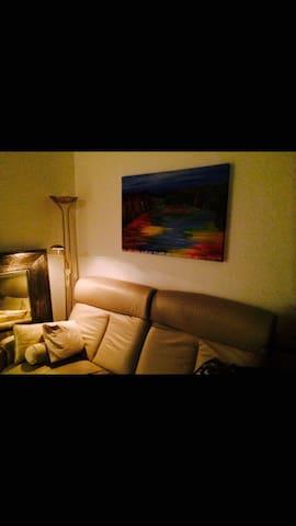 --Gemütliches Appartment mit Garten in BESTLAGE -- - Regensburg - Maison
