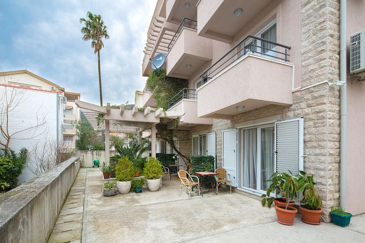 Studio with Balcony and Sea View - Petrovac - Pis