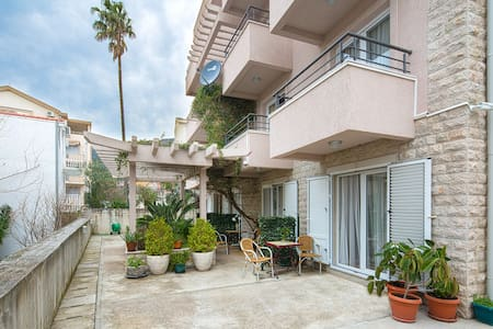 Studio with Balcony and Sea View - Petrovac - Daire