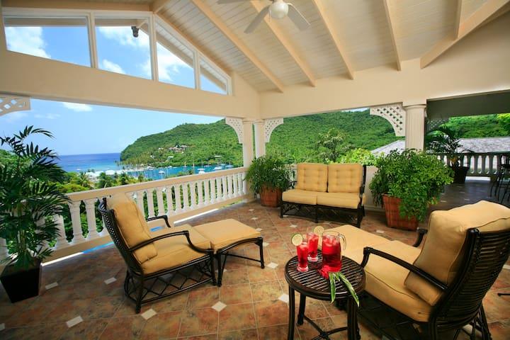Ashiana - 5 bedroom overlooking Marigot Bay!