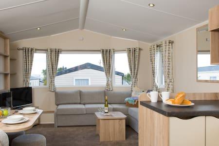 Stylish Platinum Holiday Caravan - 6 People