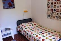 Second bedroom, 2 single beds, deuxième chambre 2 lits 1 personne