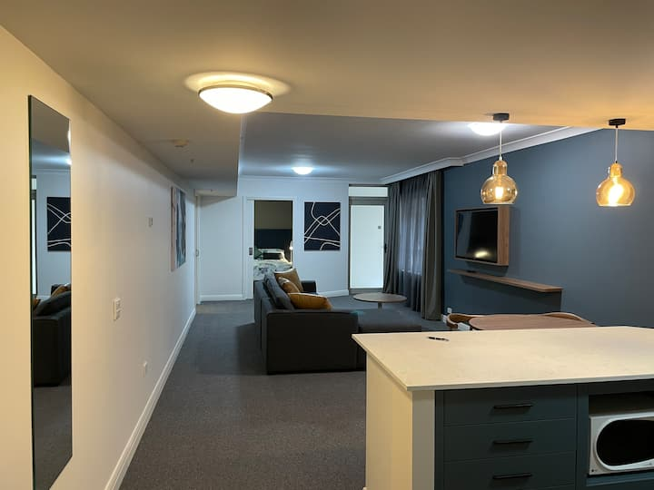 Disabled friendly 1BR apt centre of Chatswood