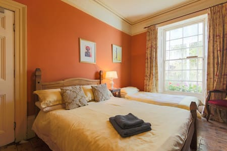 Truro Lodge - Bed and Breakfast - Room 4 - Truro - Bed & Breakfast