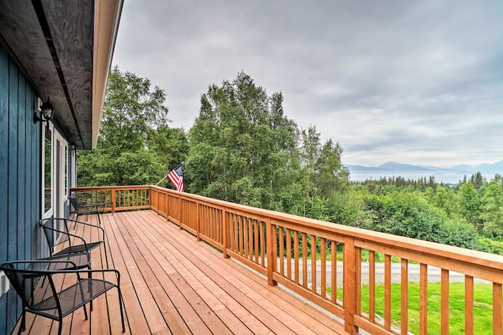 NEW Homer Apartment w/Deck-2.5 Miles from Downtown