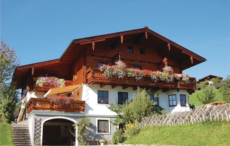 Holiday apartment with 1 room on 35 m² in Flachau