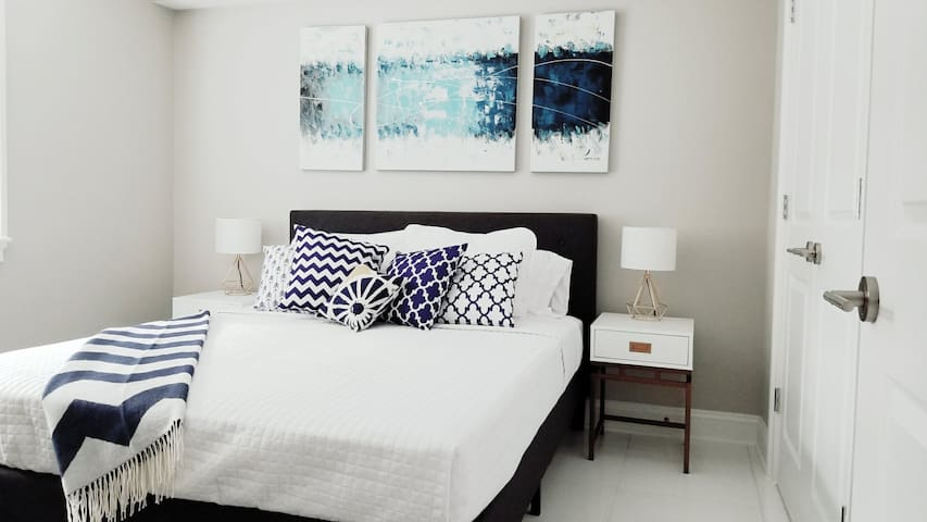 Newly Renovated Apt in Heart of DC!