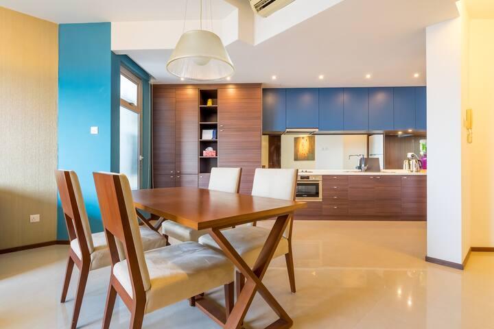 Luxury Family 3 Bedroom with Balcony in Mont Kiara