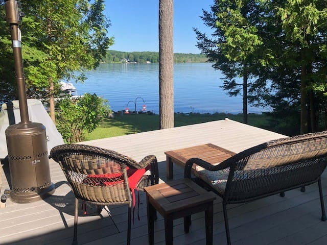 Two lakefront cottages on Lake Charlevoix!
