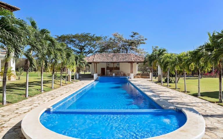 Casa Laguna De Iguana