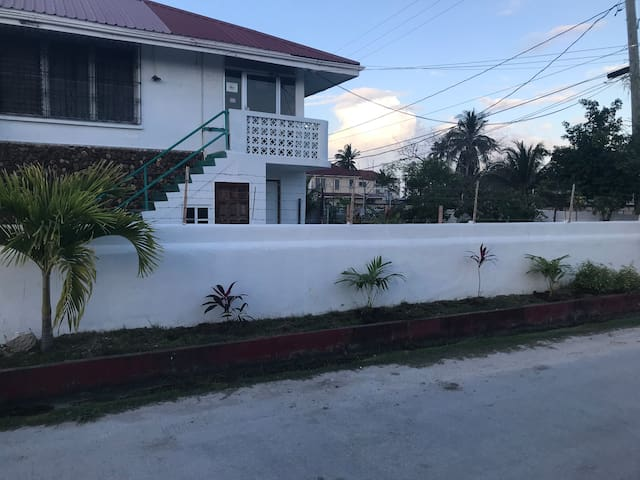 Quiet Vacation Home Belize City Kings Park
