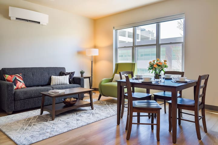 Sensational 2 Bed Travel Apartment Near the Museum of Arts &Culture