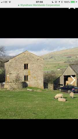 Hawes. Detached barn conversion . Stunning views