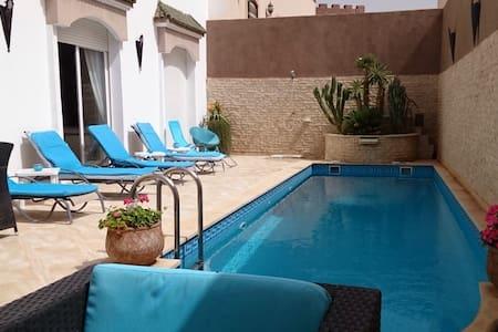 Chambre privée villa avec piscine - Agadir - Villa