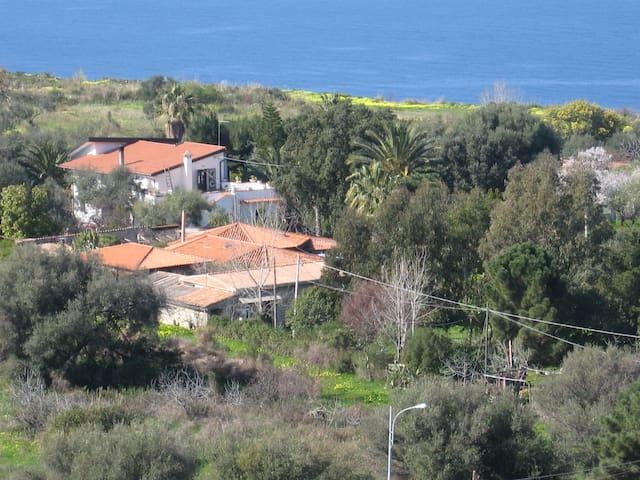Camere lontano da rumori,a 1 km dal mare - Zambrone - Other