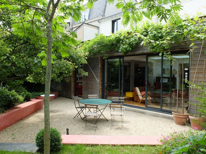 UCO ESA chambre & salon +  P déj en libre service