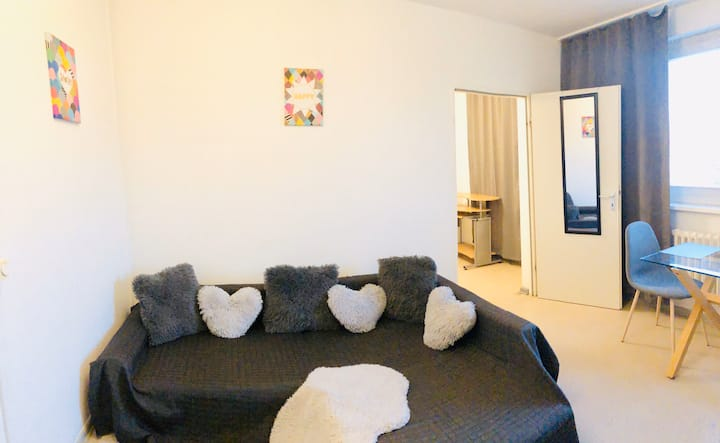 Cozy apartment in Berlin + free parking
