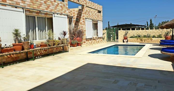 Villa Roses, piscine privée  sans vis à vis