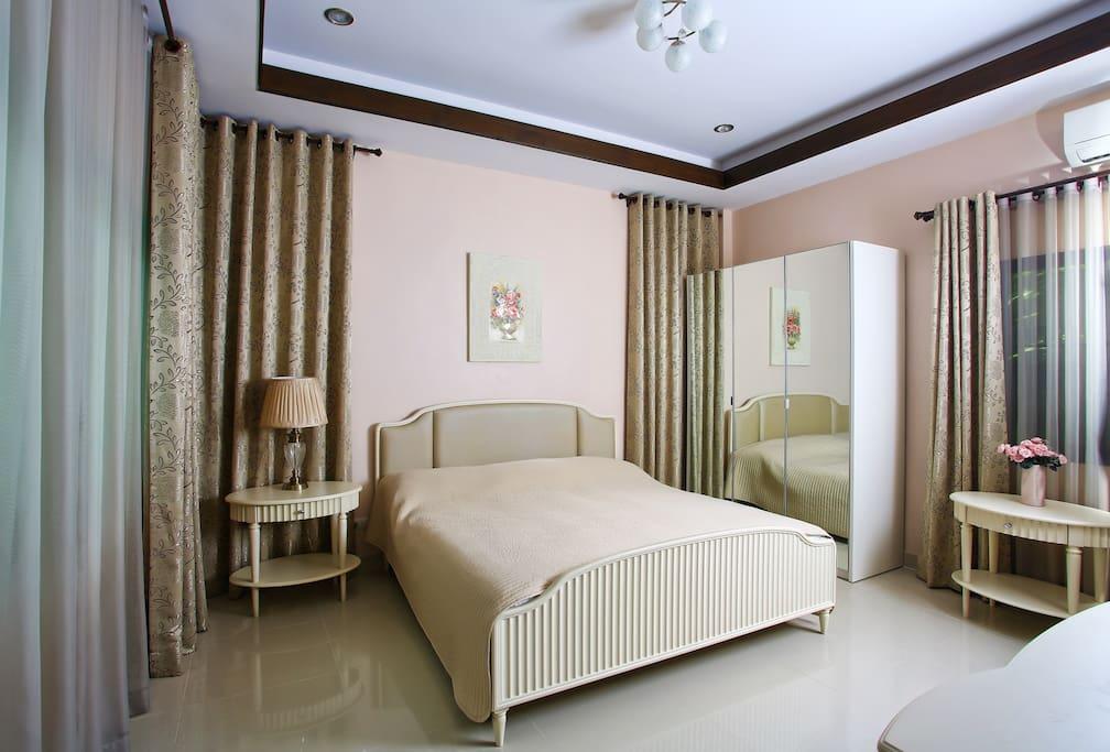 Спальня с собственным санузлом