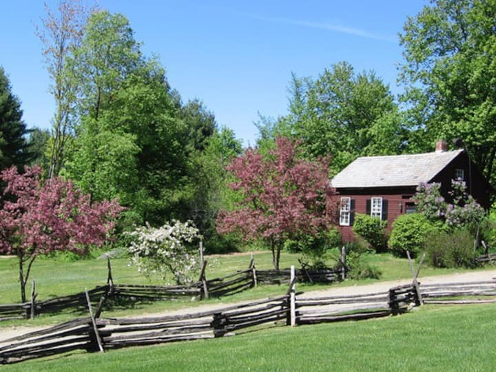The Bent Hill Schoolhouse