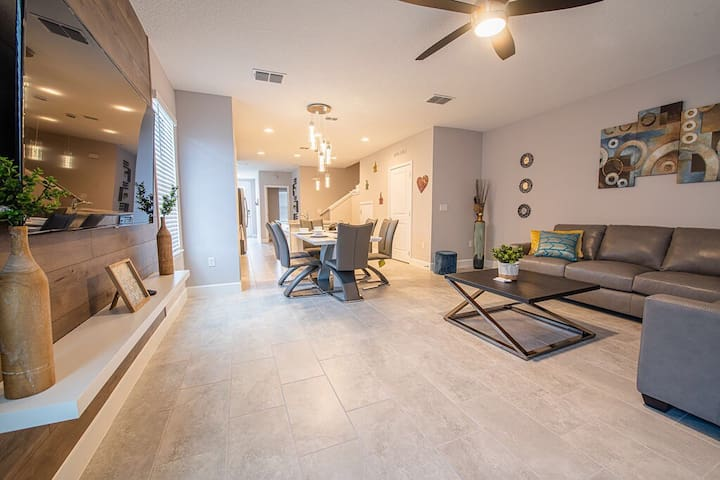 Only 17min to Disney Brand NEW 4B Townhome