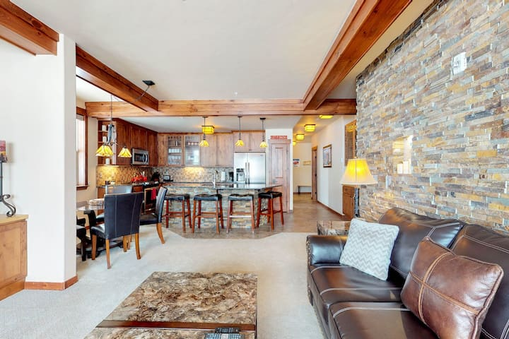 Extravagant ground floor condo with large patio, gas grill and private hot tub!