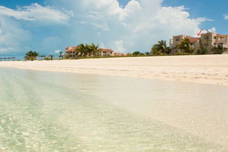 Northwest Point Resort - Penthouse on the Beach - Wheeland Settlement