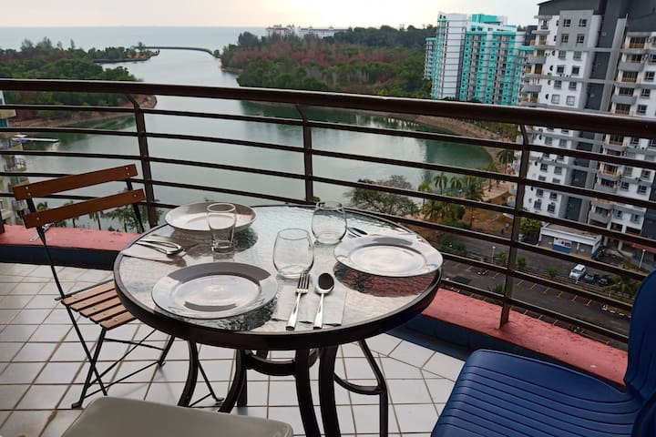 Private room with sea view, breakfast/Port Dickson
