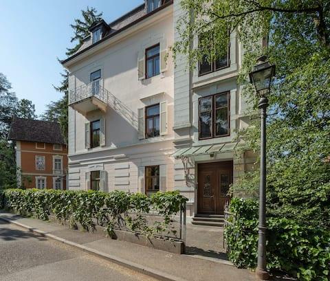 Elegante e ampio appartamento in zona tranquilla