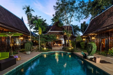 Lanna Villa w/ Private Pool, Transfers & Breakfast - Tambon San Phak Wan