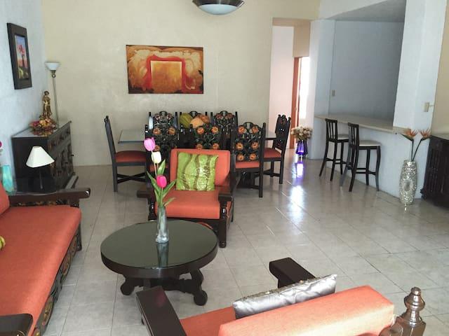 PENTHOUSE CÉNTRICO, CON UNA PRECIOSA VISTA. - Taxco - Lägenhet