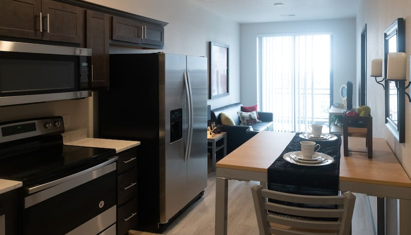 Modern 1 BR in  heart of dwntwn! Across from CRWC
