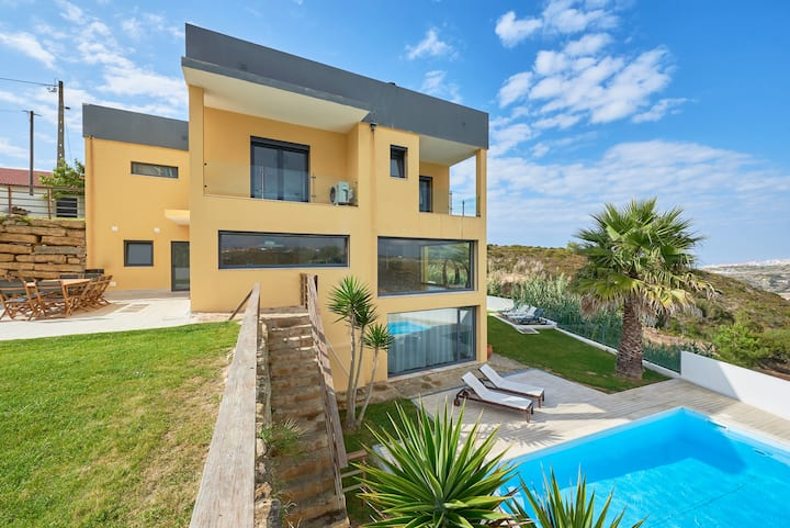 Seascape Villa Ericeira with terraces and pool