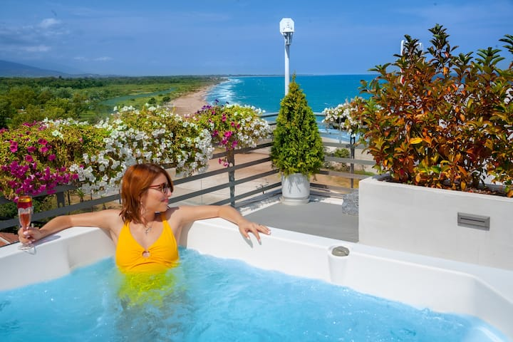 Executive Suite - Outdoor Private Heated Jacuzzi