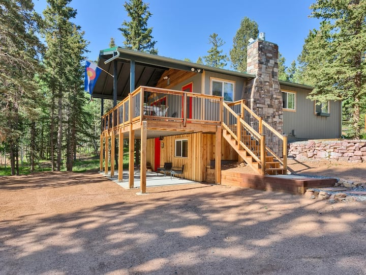 Newly Renovated, private mountain lot, beautiful!