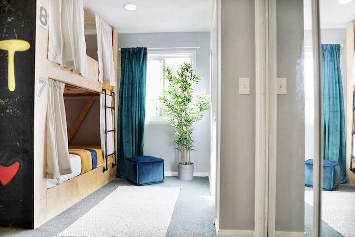 Outstanding shared room SantaMonica/Venice/Beverly