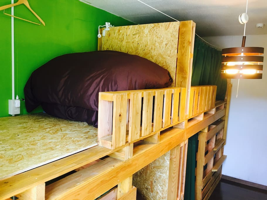 【Private 3Bed room】 Up stair is sleeping. Down stair is luggage and working space!!