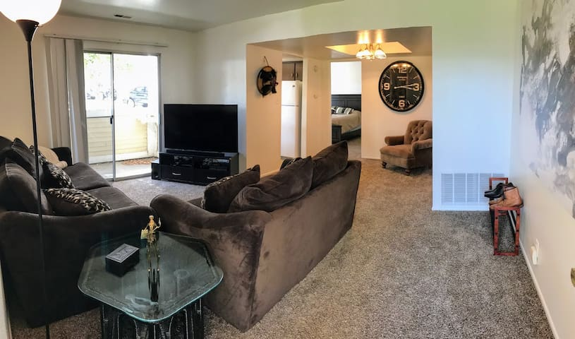 Spacious Condo in SLC - Millcreek - Appartement