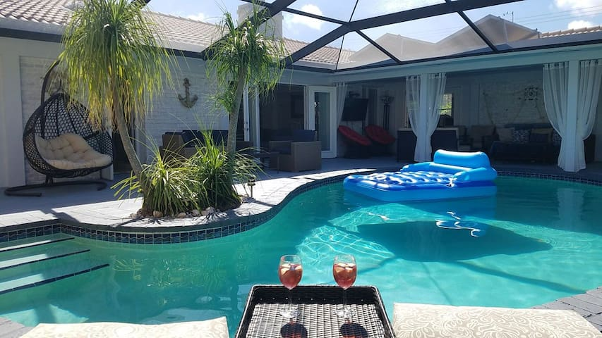 New on the market!!! 3BA/2BA with heated pool