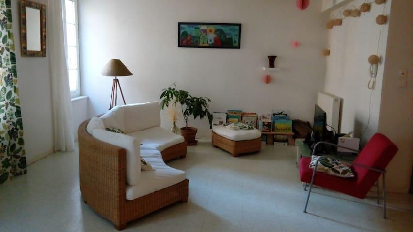 Appartement centre historique Foix - Foix - Byt