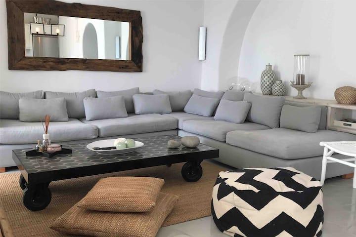 Boutique, Luxurious Apartment