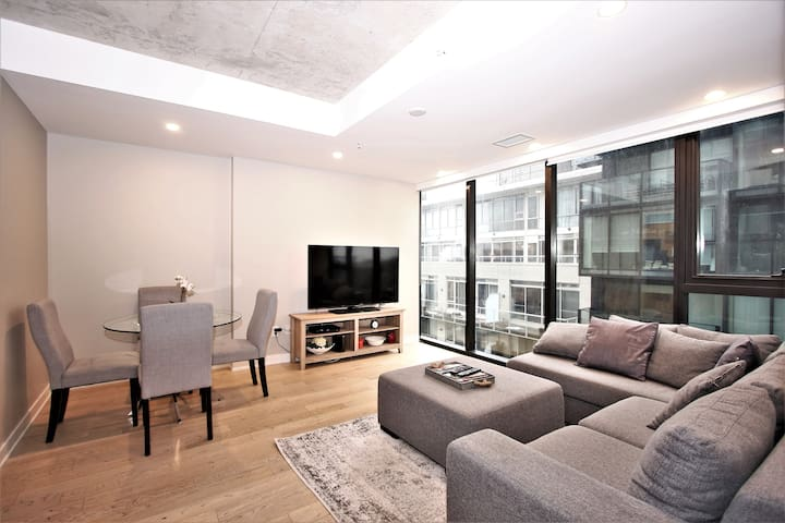 Incredible location 2bedroom/2full baths downtown