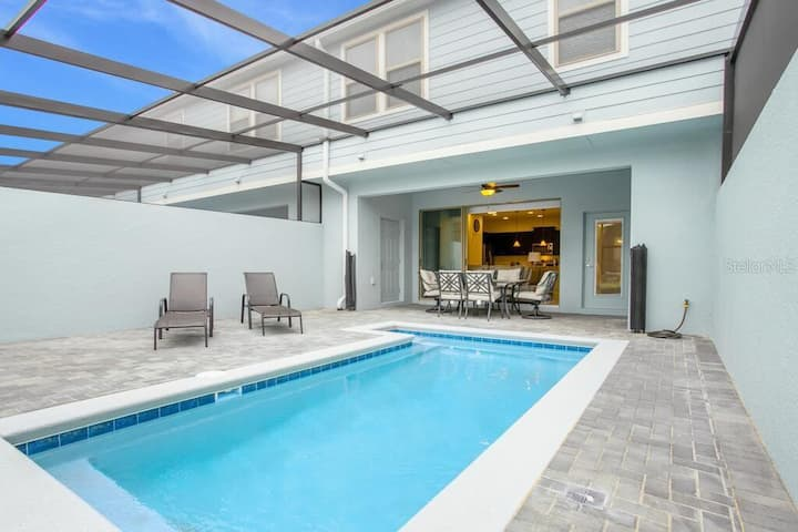Fantastic house with pool and close to Disney